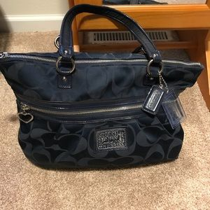 Gorgeous Coach Poppy purse!